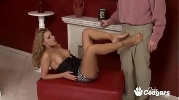 Cindy Hope Gives An Amazing Footjob