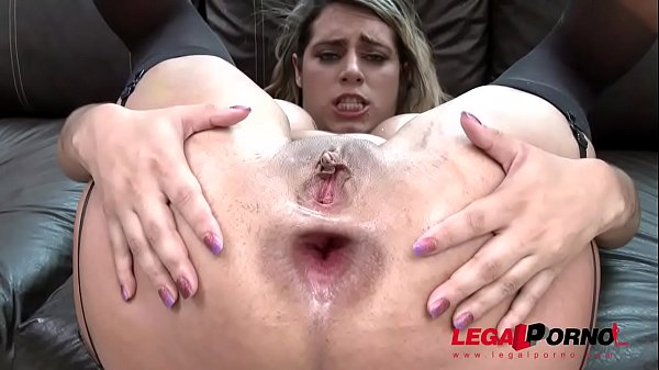 Latina slut Mia Linz finally DAP'ed by two huge cocks
