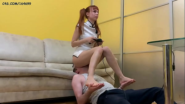 Pigtailed Anime Gamer Girl - Ignoring Fullweight Facesitting While Playing (Preview