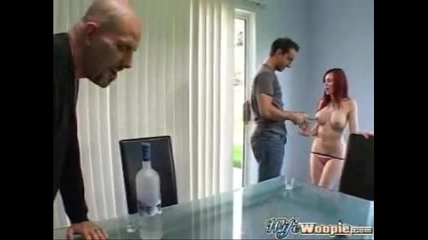 Extreme pissing woman