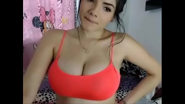 Big natural tit latina playing with her juggs -...