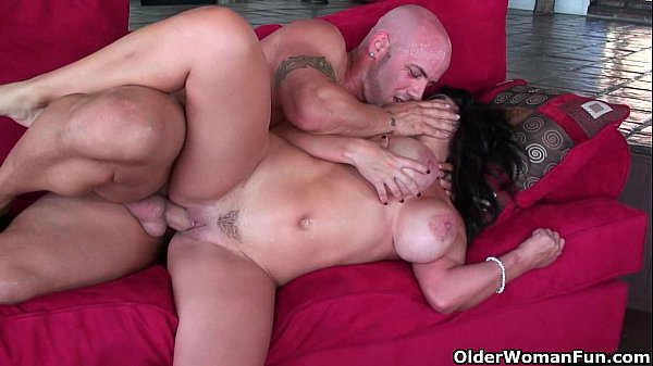 Busty milf Sienna West gets facial after rough fuck