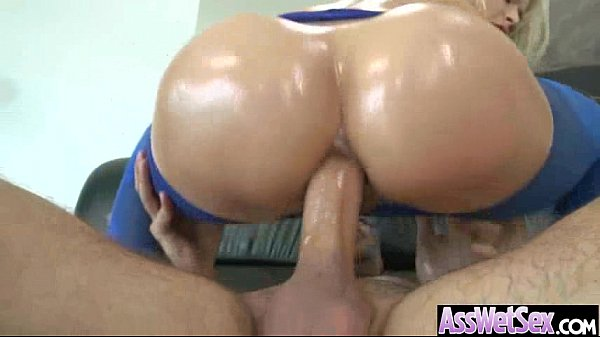 Wet Oiled Big Ass Girl Get Deep Nailed On Cam movie-04