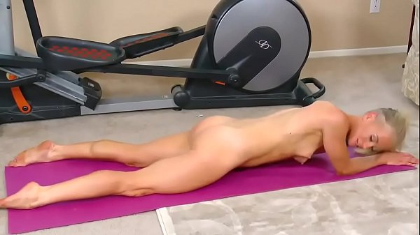 Yoga masturbation at Hardbodycams.com Thumb