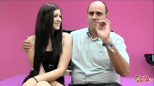 She fucks one of her fans, a taxi driver
