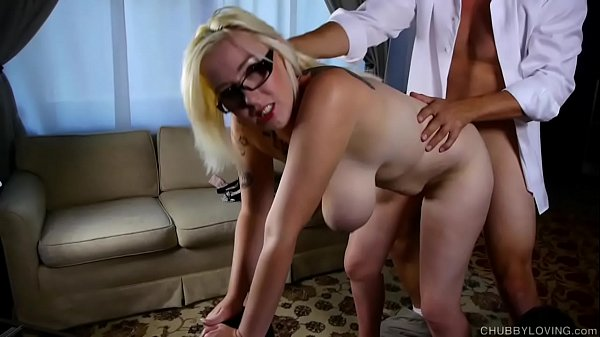 Big tits blonde BBW gives an amazing sloppy blowjob for a facial cumshot