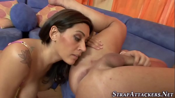 Fetish hottie gets facial