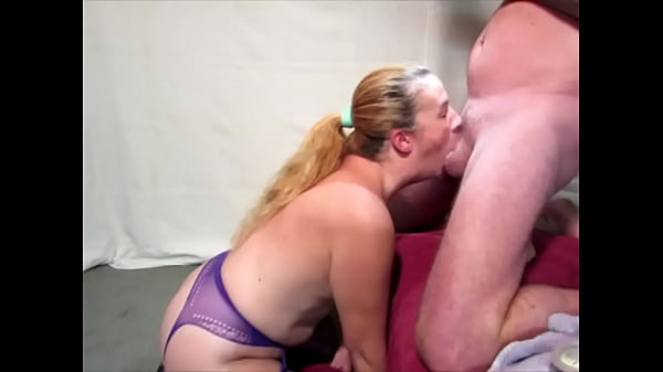 Wife makes me cum in her mouth