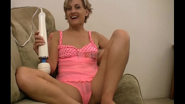 Cute MILF Paige needs two dildos to get satisfied Thumb