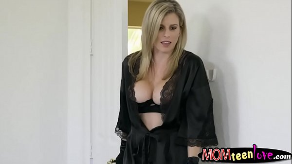 Teen and dude threesome sex with stepmom