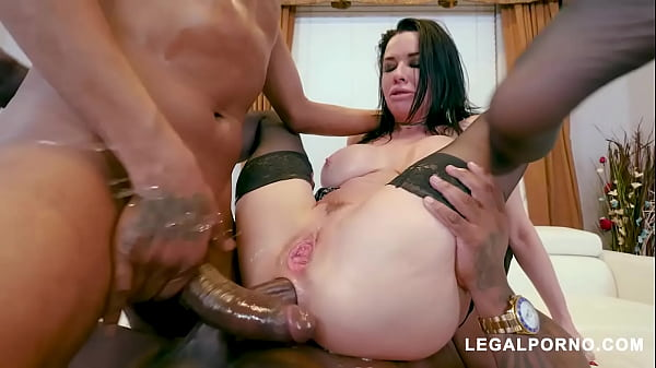 Interracial fuck slut Veronica Avluv squirts nonstop while DP'd with BBC