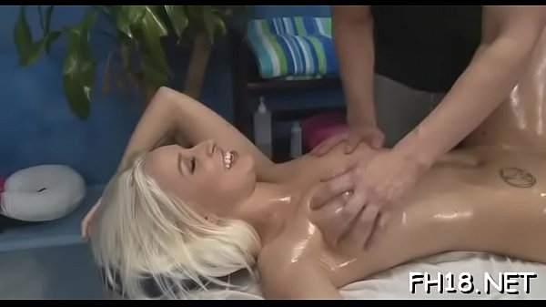 Hottie undresses and then plays with her tireless sex-toy Thumb