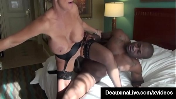 Big Titty Mommy Deauxma Gets Pussy Pounded By B...