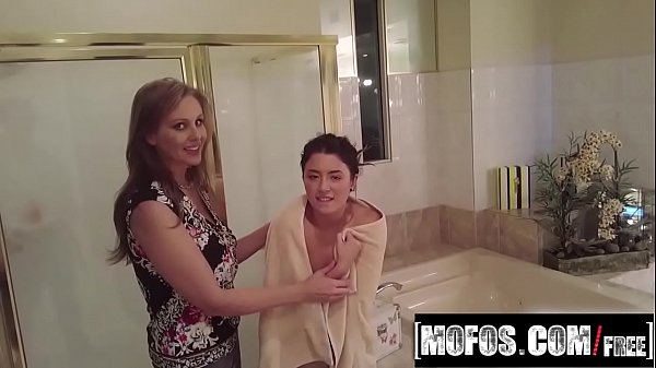 Daisy Julia Porn Video - Busted Babysitters Thumb
