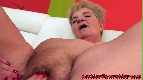 Matures hairypussy licked by busty babe