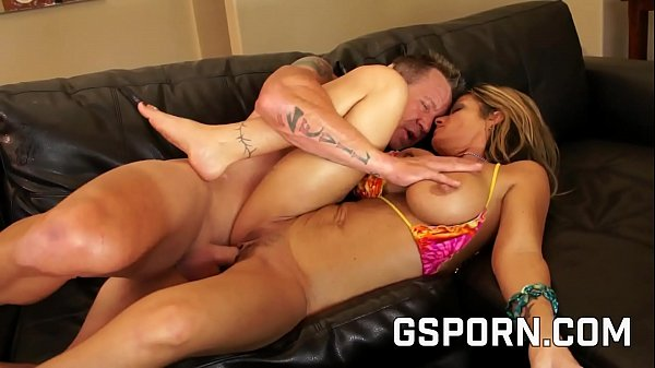 The sexy milf Kristal Summers want a pussy creampie Thumb
