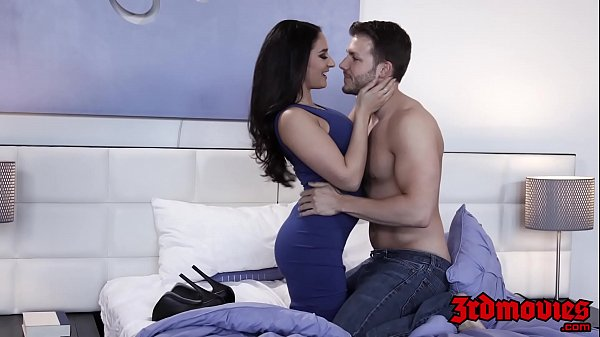 Bombshell Sheena Ryder oralled before cumblasting