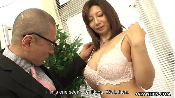 Asian milf getting fucked at her meassuring session Thumb