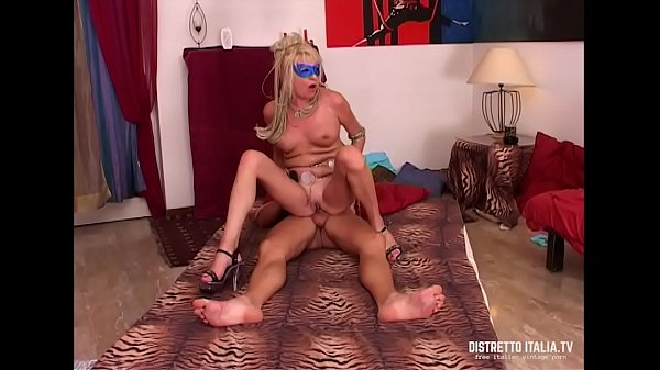 Italian couple lover of sex with her very slutty