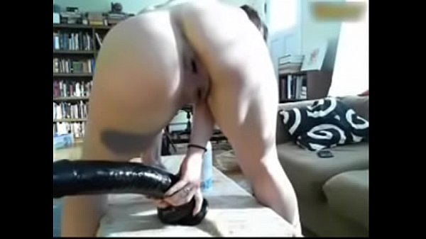 Young gringa from Ilha da Macacada Aberta sticks a half-meter dildo up her ass eye and cries in pain on the webcam - Part 2