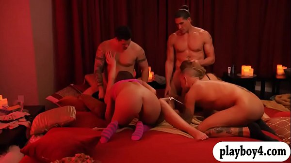 Married couples Groupsex with swingers and enjoying it