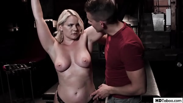 Lonely Stepmother Lisey Sweet Has To Enjoy Step...
