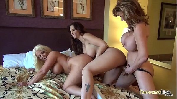 Deauxma in 3 way Lesbian Strap-on party