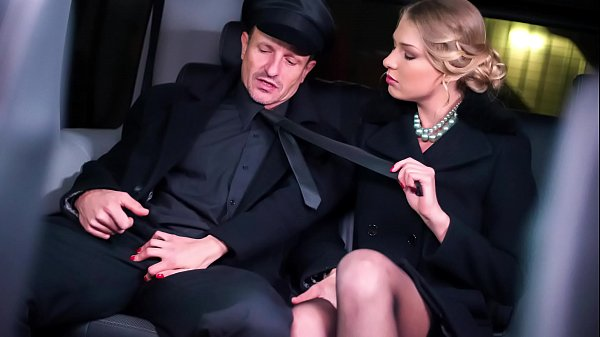 VIP SEX VAULT - Beautiful Russian blondie Lucy Heart gets cum covered in hot car fuck