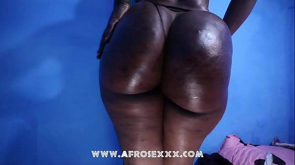 Tall African big butt with a hot round big booty presenting her ass @Mzhardbutt Thumb