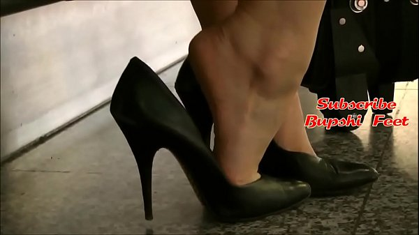 Candid Blonde Secretary Barefoot Shoeplay Part 1