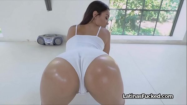 Fantastic ass shaking Latina pleases cock Thumb