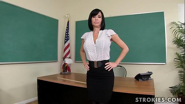 Teacher Veronica Avluv Jerks Off Student