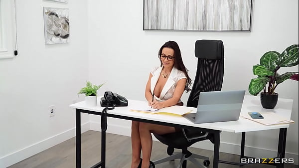 Banging The Boss On Her Anniversary / Brazzers full at