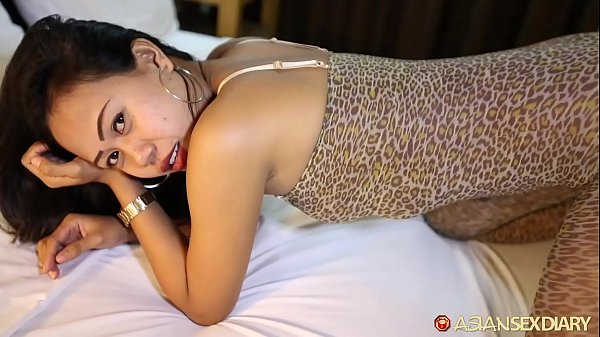 Asian Sex Diary - Sexy Asian babe gets hammered...