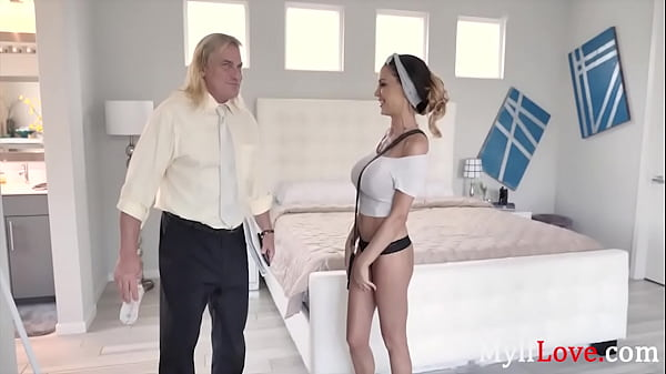 MILF Puts On A Show With Stranger For Neighbors...