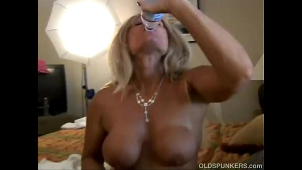 Mature Roxy Loves To Fuck