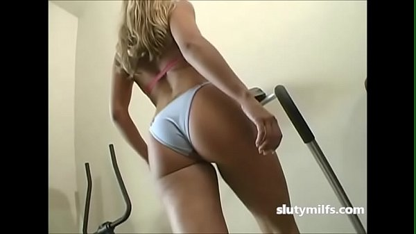 Hot Milf Ass Wiggling Treadmill Workout