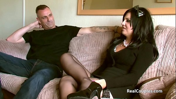 Older brunette gets her toes sucked before an intense fuck Thumb