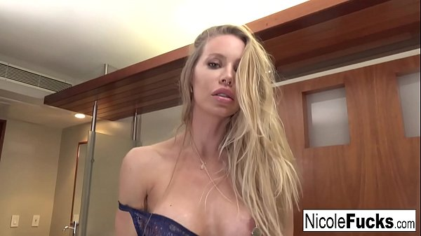 Gorgeous Nicole takes on a muscular stud until ...