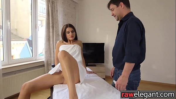 Bootylicious european MILF gets buttfucked