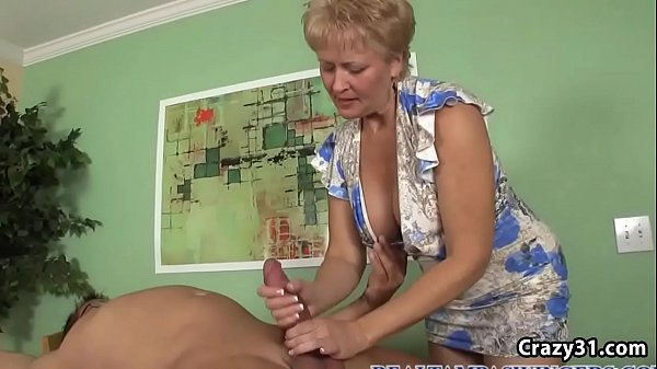 Blonde Gilf Giving a Sensational Blowjob