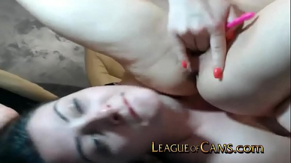 Camgirl Lets Her Roommate Squirt on Her Face