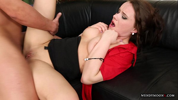 Wendymoonx - v. fucked with big cock by gardener in own house