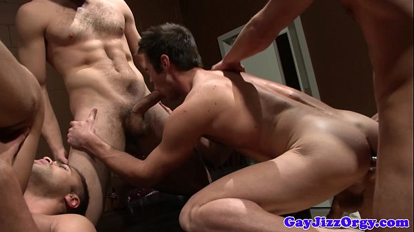 Anal group sex with hunky Tommy Defendi