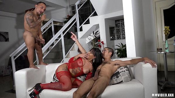 Biggest Midget cock in a threesome with Big booty Latina