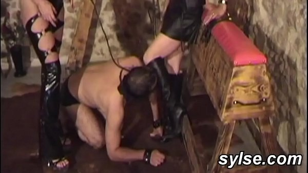 2 amateur dominas with their anal slave