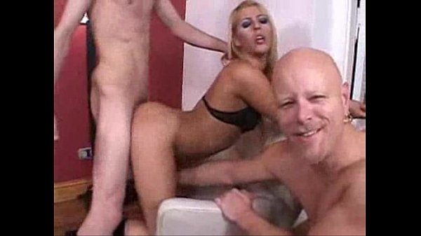 Blonde Shemale groupsex