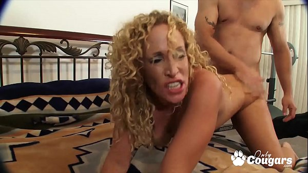 Curly Haired MILF Samantha Spreads Open And Welcomes A Hard Dick Thumb