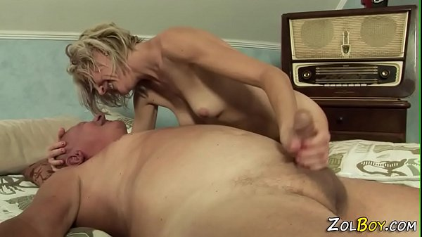 Milf pisses into mouth