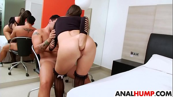 Eloa Lombard gets her asshole stretched Thumb